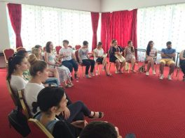 Președintele Consiliului – lector la Școala de vară din România