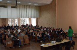 """Profesorii și elevii liceului """"Vasile Alecsandri"""" din Ungheni audiați și instruiți în domeniul nediscriminării"""