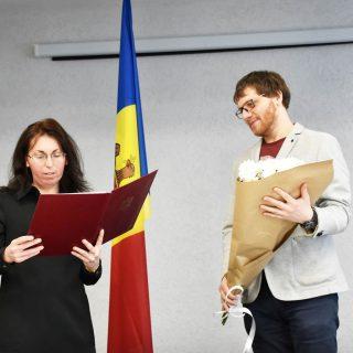 Crește numărul funcționarilor publici din cadrul Consiliului