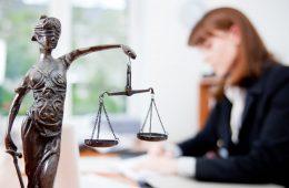 Unde e limita libertății de exprimare a avocatului?